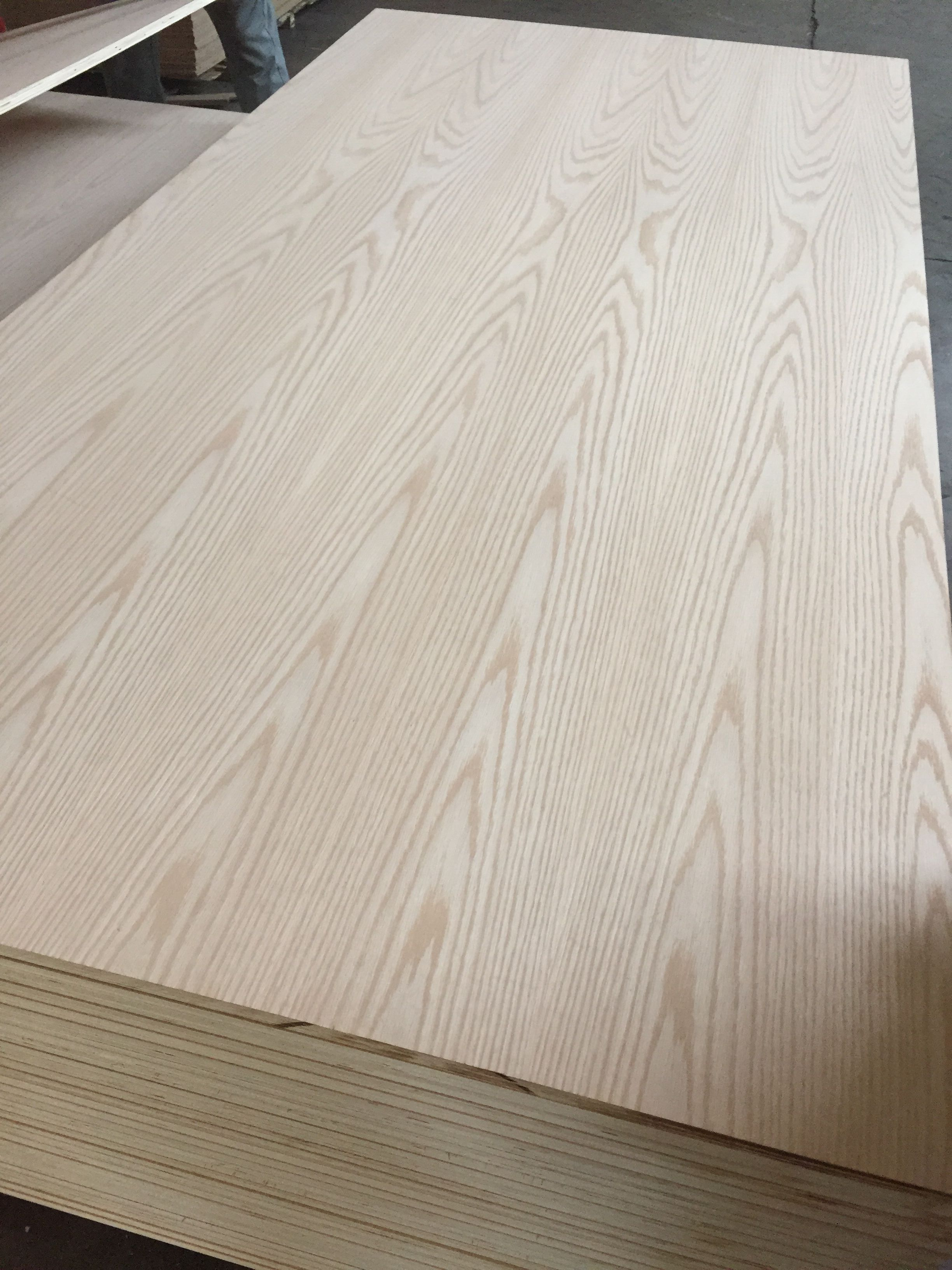 5mm red oak veneer faced MDF